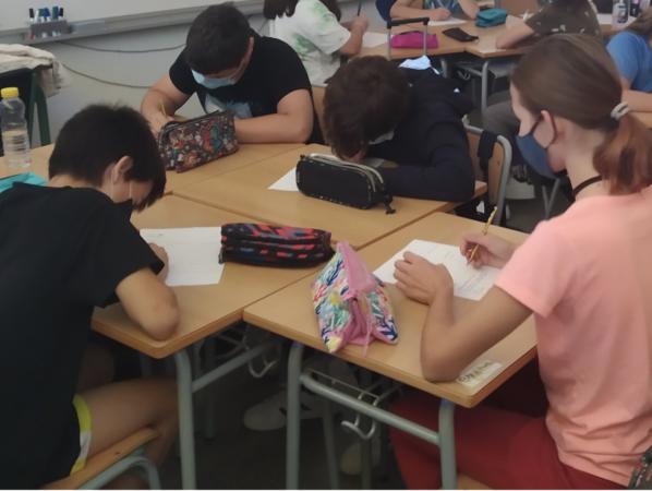 Al final de les sessions fan una auto-avaluació per recollir els aprenentatges de la sessió